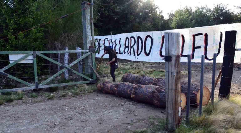 Tras momentos de tensión, desalojaron la ocupación de tierras en El Foyel |  La Super Digital